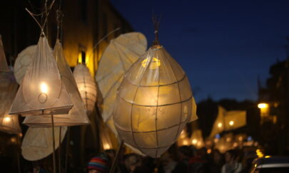 Lantern Festival Organisers Beg Crowds to Come With Their Cash