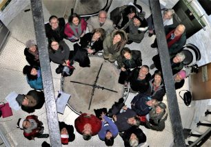 Singers Hit Festive High Note with Carols on Hoad